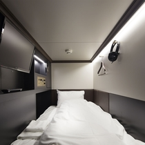 室内(90ℓのスーツケースも置けます)