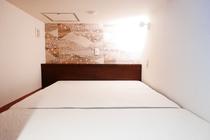 Deluxe Capsule Room