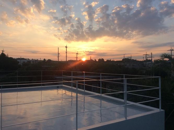 テラスから見る朝日