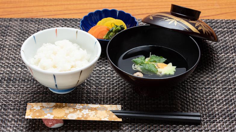 *【ご夕食】白飯・吸物・香物一例