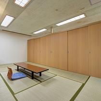 *【客室・広間】和室12畳2室の空間は、可動扉を撤去すると24畳の広間として宴会場にも利用できます。
