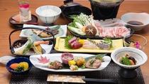 *【豚しゃぶしゃぶ】箱根山麓の清らかな地下水を与えて飼育された箱根山麓豚しゃぶしゃぶコース。