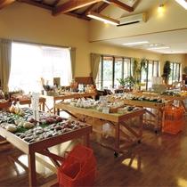 *野菜直売所/新鮮&リーズナブルな野菜の直売はお土産にも大人気。