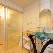 *【客室】(3LDK)バス・トイレ別の広めな作り!独立洗面台、何かと便利です!