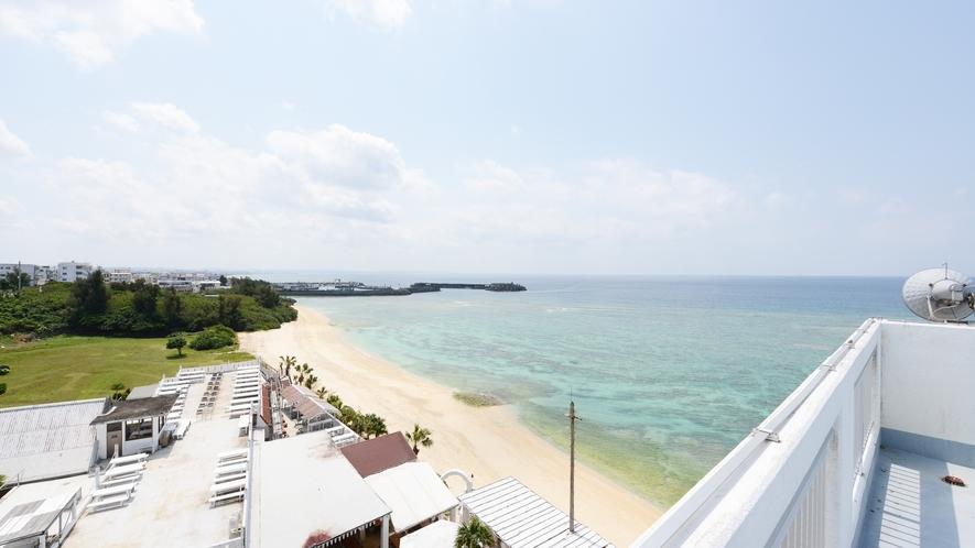 *【屋上】見晴らし良好!ビーチサイドは一面青い海です♪