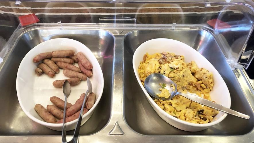 *【ご朝食】バイキング形式の朝食。日によってメニューが替わります。