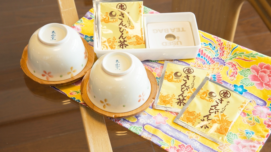 *【客室】アメニティの他にお茶セットも用意しております。チェックイン後の一服に♪