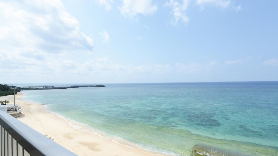 *【ビーチ】ホテルの目の前にビーチ!OKINAWAモード全開です♪