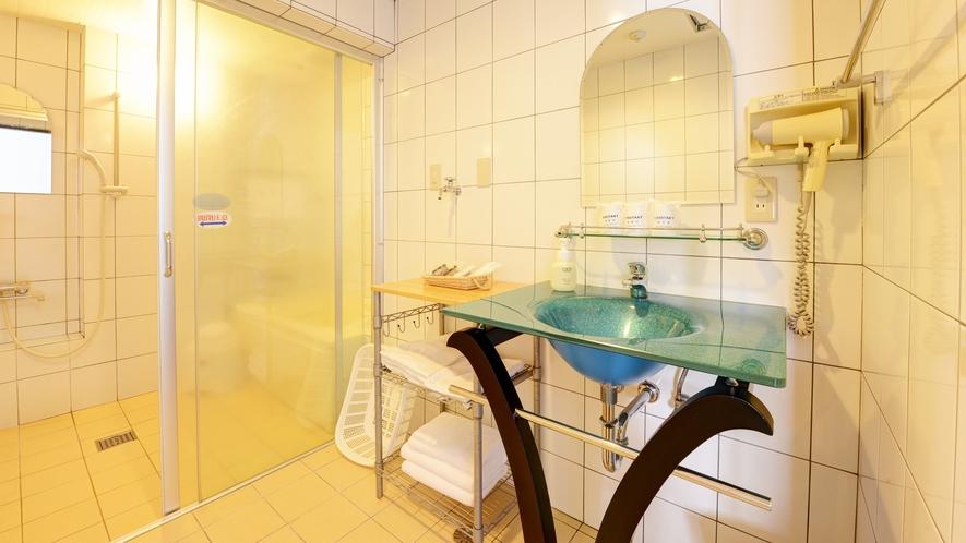 *【客室】(2LDK)バス・トイレ別の広めな作り!独立洗面台、何かと便利です!