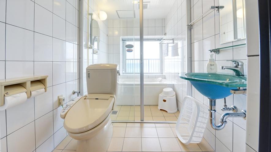 *お部屋のバスルーム お風呂からは海が見えます。
