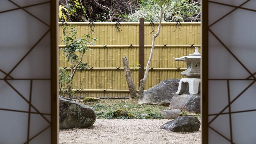 【スイート・セミスイート】 庭
