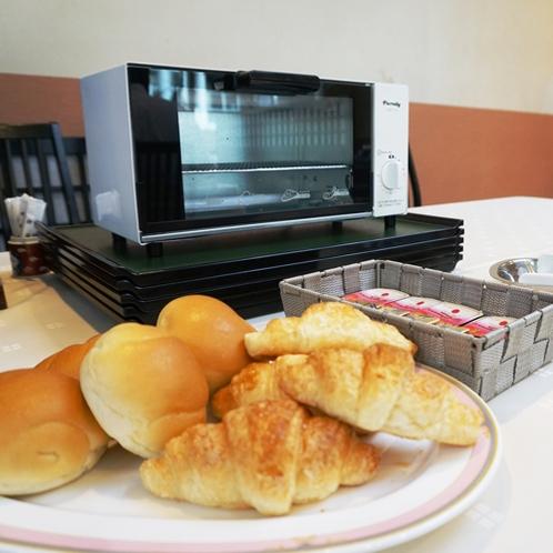 *【朝食】洋食派にはパンもございます。ジャム付♪