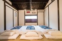 寝室1(和布団)