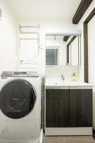 ドラム式の洗濯機もご自由にお使い頂けます。