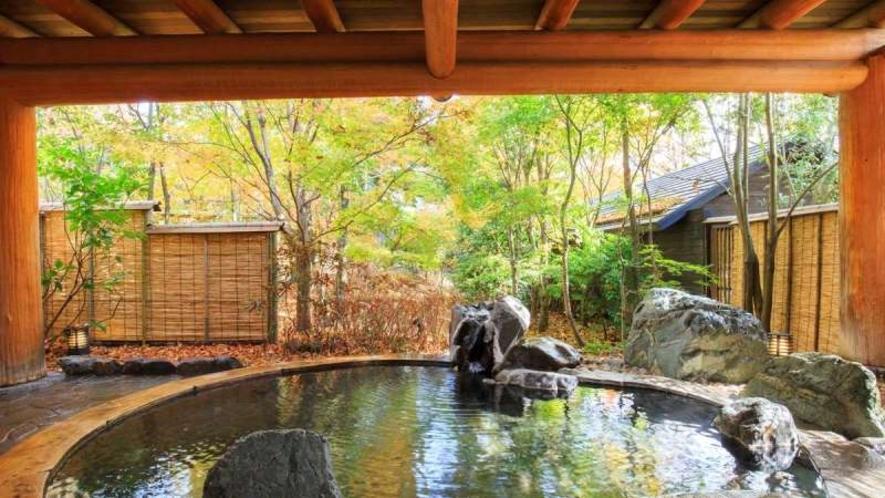 温泉|由布岳を望む大露天風呂。