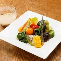 料理|厳選された素材を活かした美食を堪能ください。