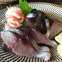 大分が誇るブランド魚、関サバの姿造りに舌鼓!※お一人様づつお取り分けの写真です。