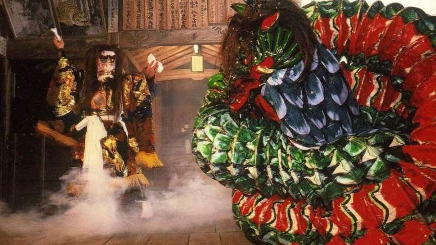 【由布院温泉神楽】毎月1回「由布院温泉神楽~月一の奉~」と題して郷土芸能「神楽」の定期公演を開催!