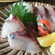 大分が誇るブランド魚、関アジの姿造りに舌鼓!※お一人様づつお取り分けの写真です。