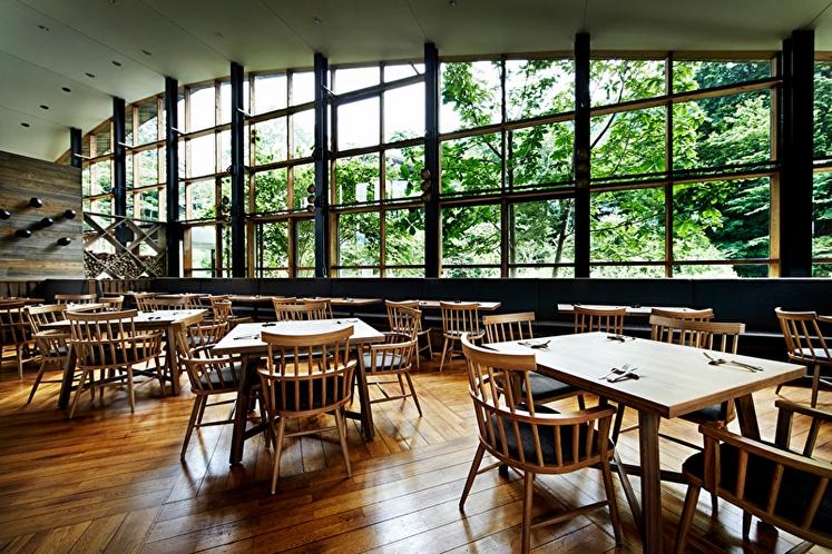 WOODSIDE dining 朝 07:30 ~ 10:00 夜 17:30 ~ 21:30