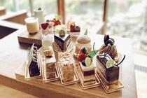 fore Patisserie(有料)09:00 〜 18:00※ケーキの在庫が無くなり次第終了