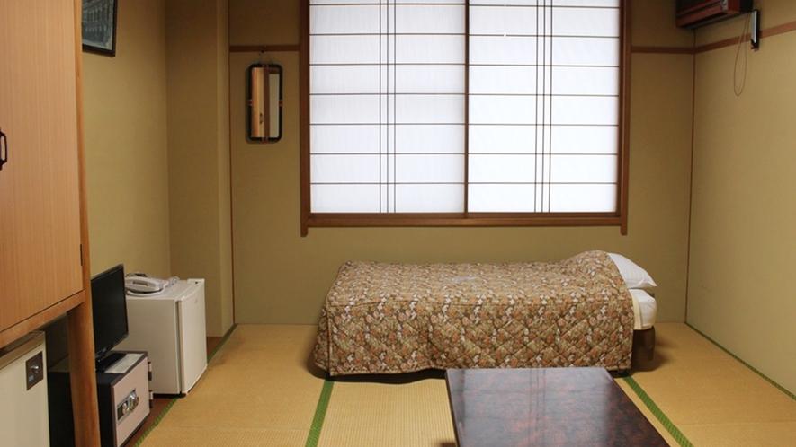 *【和室6畳一例】こじんまりとした本館のお部屋です。