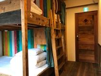 4人部屋(ベッド)