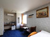 【喫煙トリプル(本館)A4】120cm幅のゆったりベッドで、快適な眠りをご提供いたします。