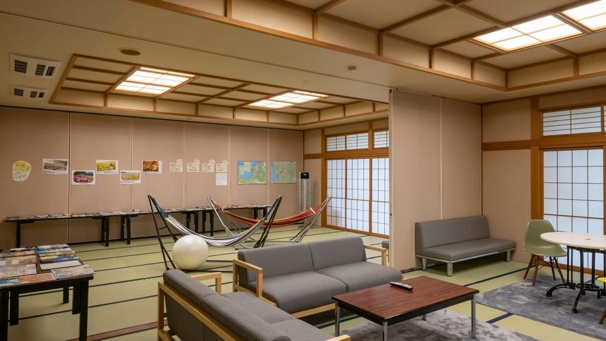 ソファーコーナーが新たに2階にできました!宿泊者限定!無料利用可能!