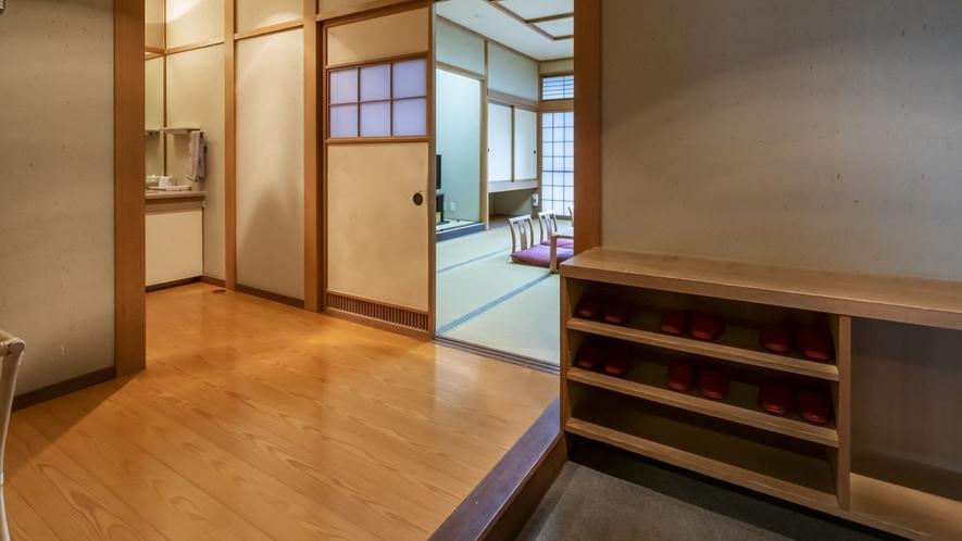 ゆったり和室は入口から広々としているので快適♪