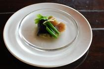 和食も入れて食べやすいように工夫しております。食べられないもの、食事制限とありましたらご連絡ください
