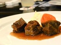 牛ほほ肉の柔らか煮 時間ですか? 気にしないでゆっくり食べてください。