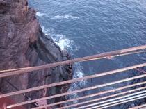 城ヶ崎吊り橋 車で5分 駐車場500円(15分以内無料)ダッシュして観光したら無料かも?