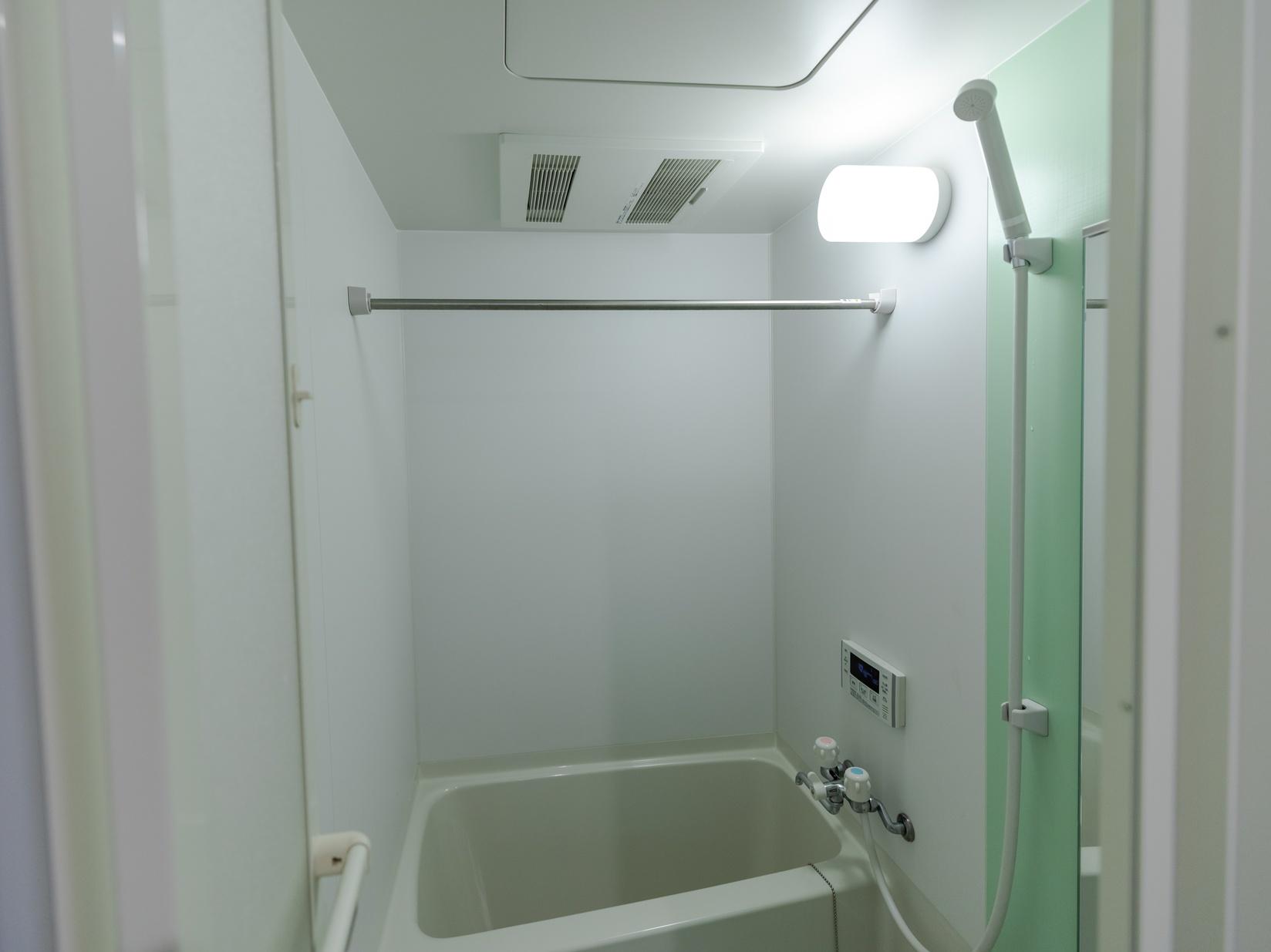 ファミリールーム 浴室