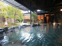 萬天の湯(露天風呂・昼)