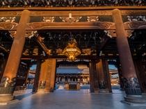 朝焼けの東本願寺