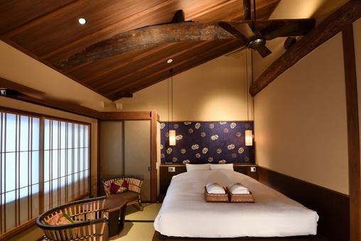 瑠璃 2階 京町屋ダブル風和室