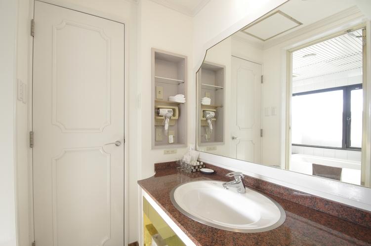 デラックストリプルルーム 洗面室