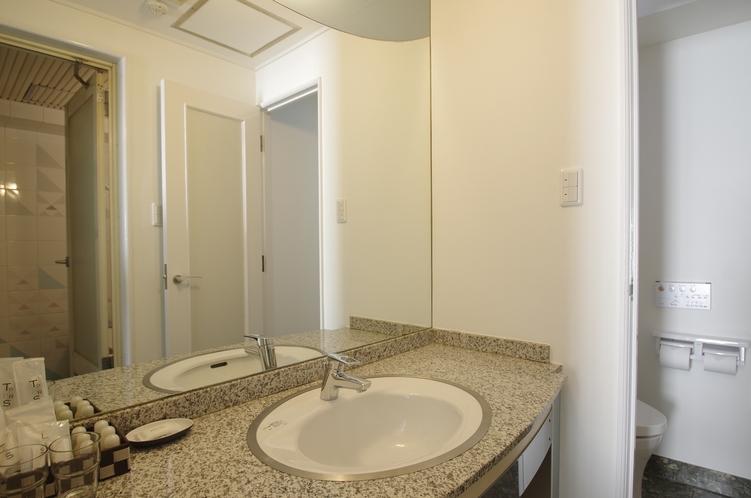 スーペリアツインルーム 洗面室
