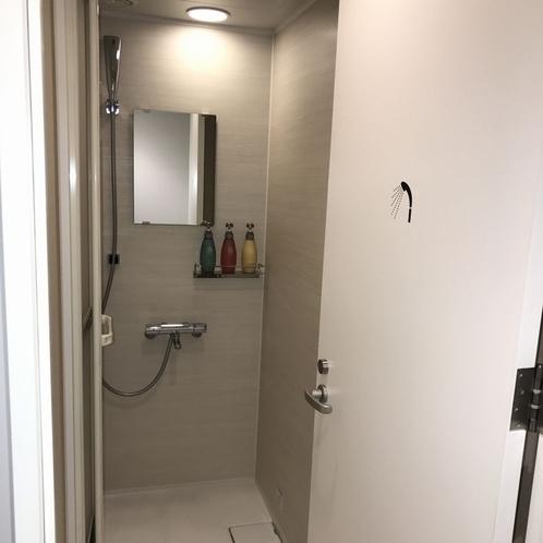 女性用シャワー室