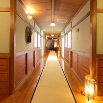 畳敷きの廊下