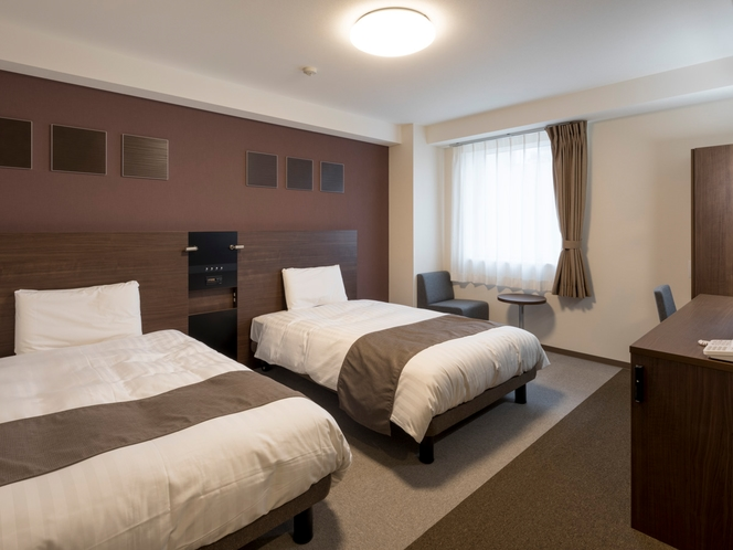 2ベッド◆ツインスタンダード1◆広さ21平米◆ベッド幅123センチ