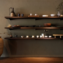 【売店】有名な陶芸家さんの作品など展示、販売しております。ほぼ仕入れが難しい商品が展示しております