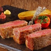 【山形牛ステーキ】品質に定評のある山形牛のステーキをご用意しております。やわらかく甘味があります