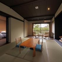 【森の音特別室】8畳の和室と洋室がございます。内風呂付きなので、ゆっくりとお寛ぎいただけます