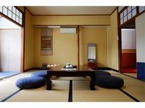 川沿い和室10畳「芙容」1~4名 景観の良いオススメ部屋