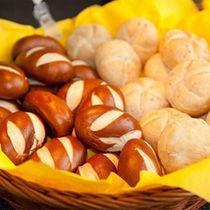 焼き立てパン1