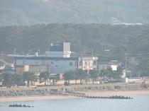 唐津湾からみたホテル