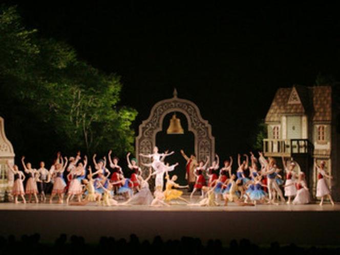 夏:フィールドバレエ