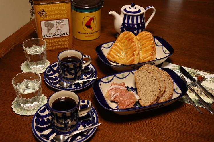 朝食用パンのサービス!